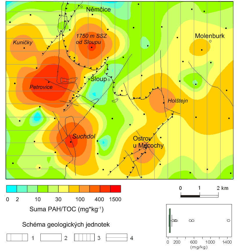 Obr. 4  Mapa celkového obsahu polycyklických aromatických uhlovodíků v poměru k celkovému organickému uhlíku PAH/TOC v jednotkách mg kg-1 (tj. ppm) v povrchové vrstvě půdního pokryvu mapového listu 24-233 Ostrov u Macochy. Černé body označují místa odběrů