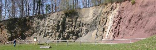 Malé Svatoňovice - styk křídových a permských sedimentů v tektonickém pásmu hronovsko-poříčské poruchy