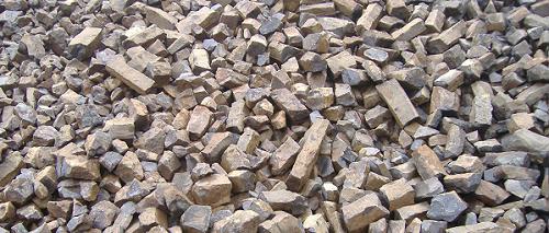 Kamenolom Císařský - čerstvý odstřel čediče